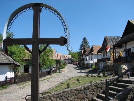 villages-hungary-holloko